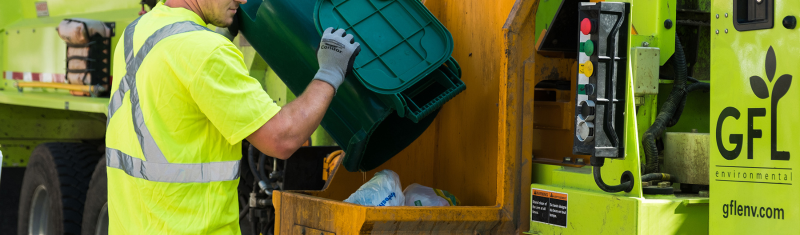 removing compost from green bin