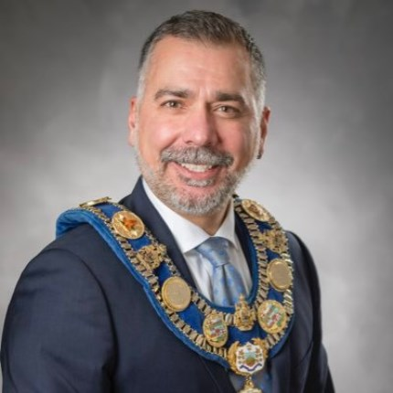 Mayor Tom Mrakas